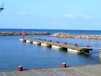 Pontony z drewnianym pokładem na pływakach betonowych, Top Marine, info@topmarine.pl, www.topmarine.pl